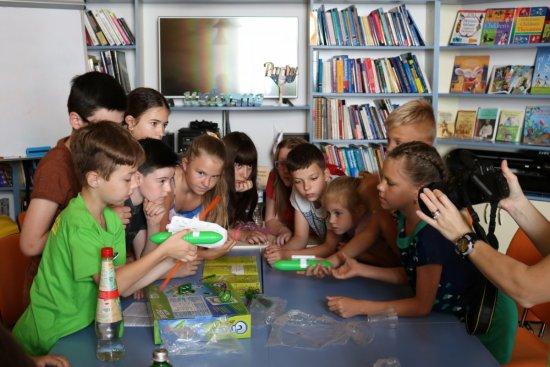 В Ужгороді діти збирали іграшки на сонячних батареях