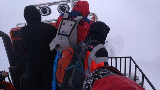 У Карпатах у лавину потрапили троє туристів з Києва, один загинув