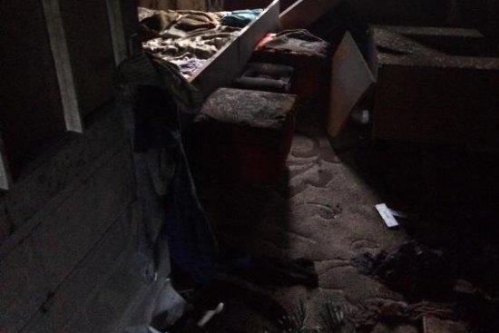 Зять розпалив багаття у будинку тещі. ФОТО